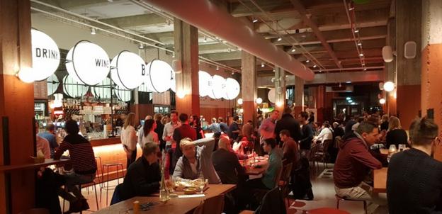 Lekker eten bij Foodhallen Rotterdam